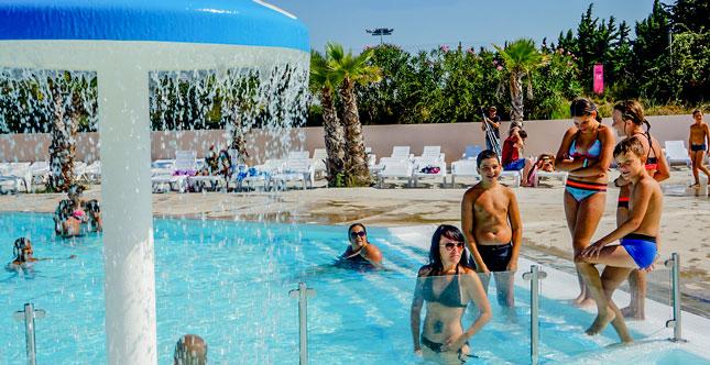 camping Mas de l isle avec piscine